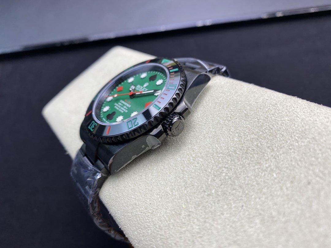 改裝BLAKE廠高仿勞力士撲克牌綠黑水鬼40MM搭配SW220機芯複刻手錶