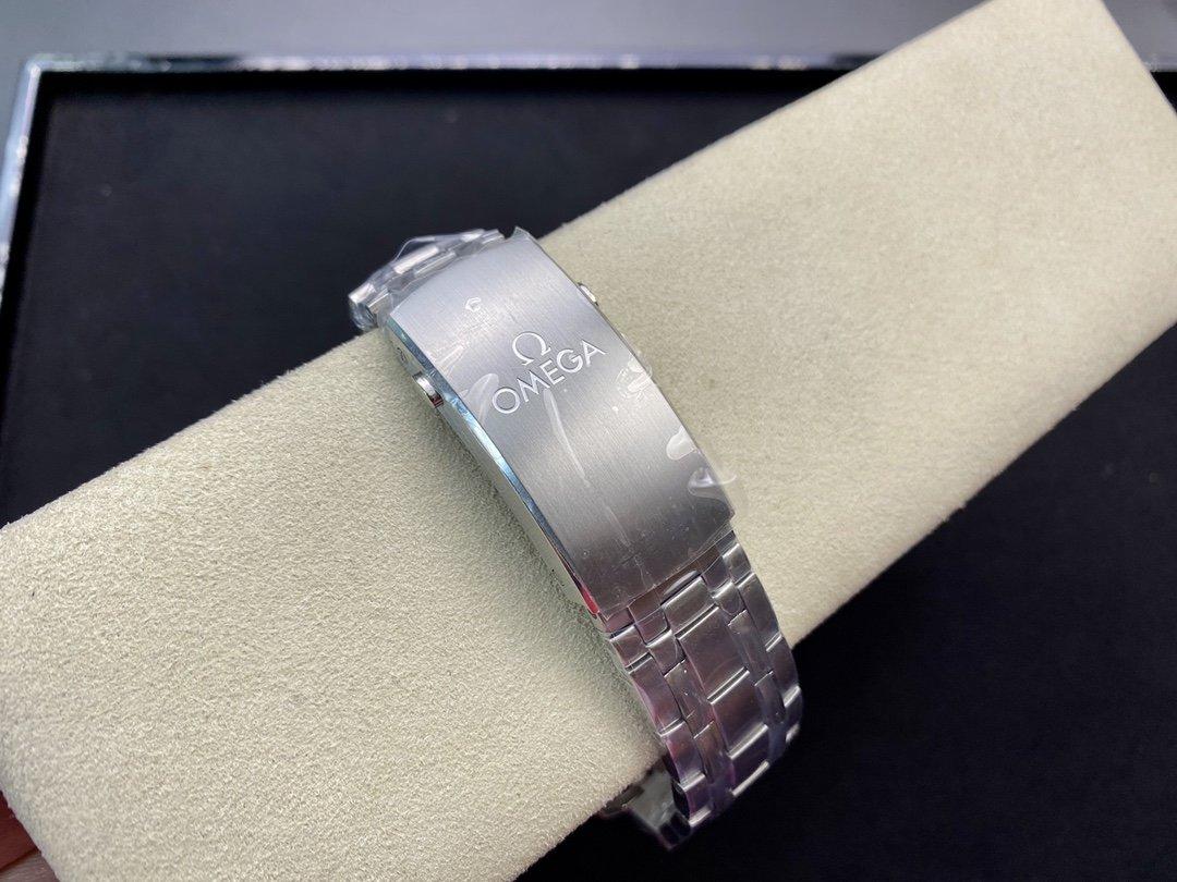 VS廠歐米茄波浪紋海馬300米42MM8800機芯高仿手錶
