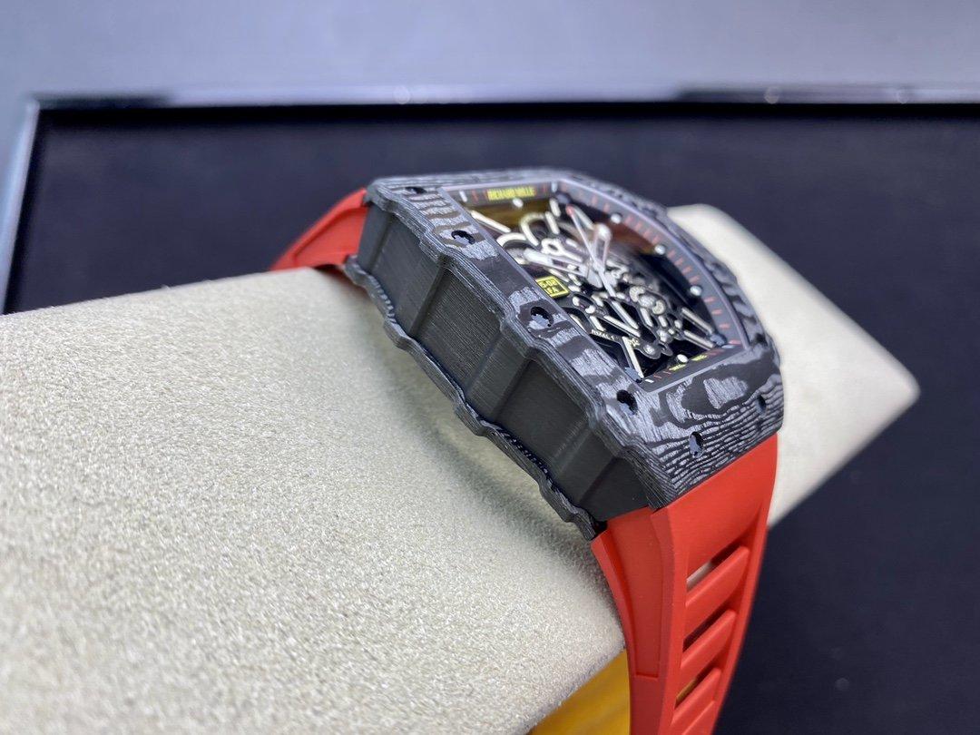 改裝專案:私人管道 理查德米爾RM35-02改5點位白鑽避震器 機芯右上角輪改黑輪 表殼螺絲改為更接近原版的鈦灰色複刻手錶