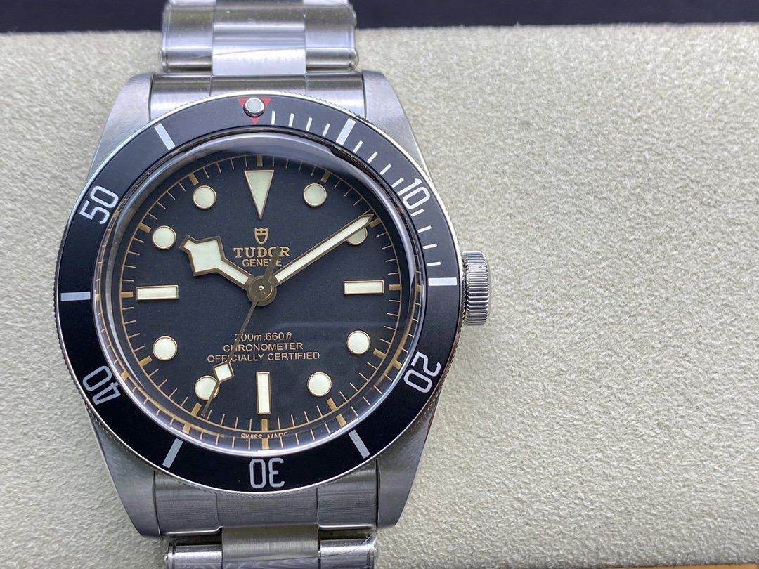 ZF廠高仿帝陀小黑碧灣系列41MM複刻手錶