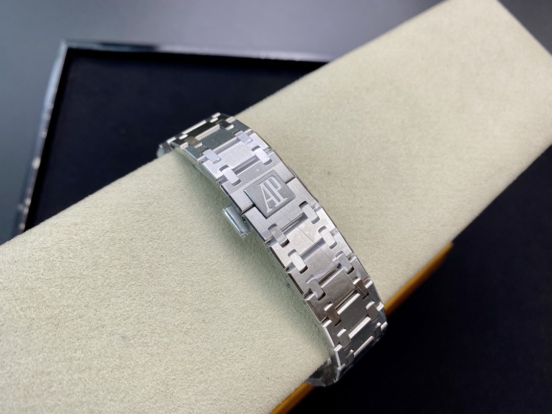 "XF廠高仿愛彼皇家橡樹15202 超薄鋼表""香檳金""39MM複刻手錶"