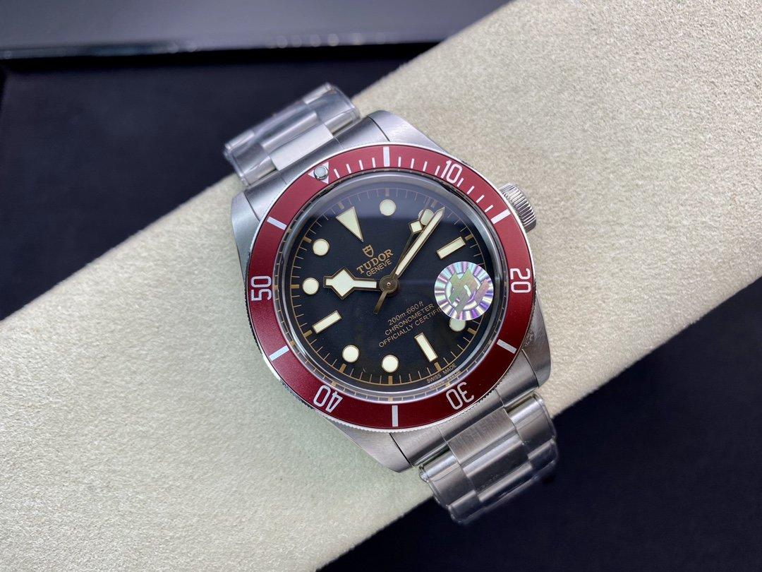 ZF廠巴塞爾發佈新版高仿帝陀/帝舵啟承小紅花41x12mm 2824自動機械機芯複刻手錶