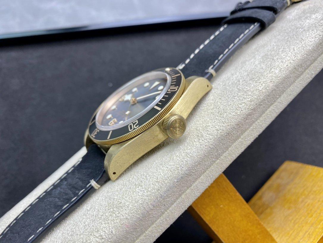 ZF廠高仿帝陀帝舵小銅花V2終極版2824機芯精仿複刻手錶