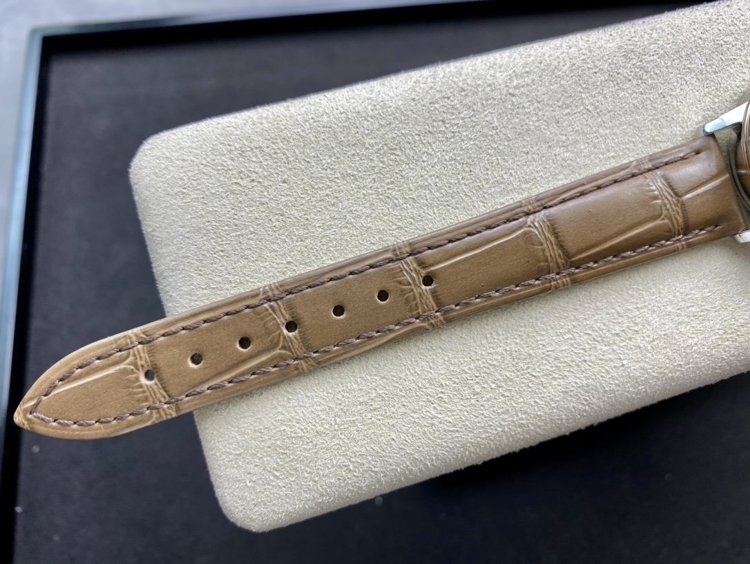 UVS正品開模高仿歐米茄碟飛系列424.10.33.20.55.002裝2892機芯33MM複刻手錶