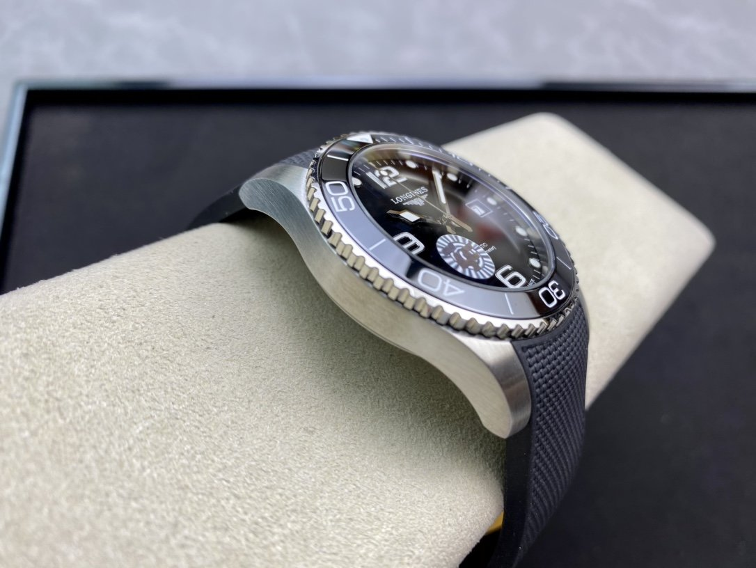 ZF廠高仿浪琴康卡斯水中霸主L888.2型芯41MM複刻手錶