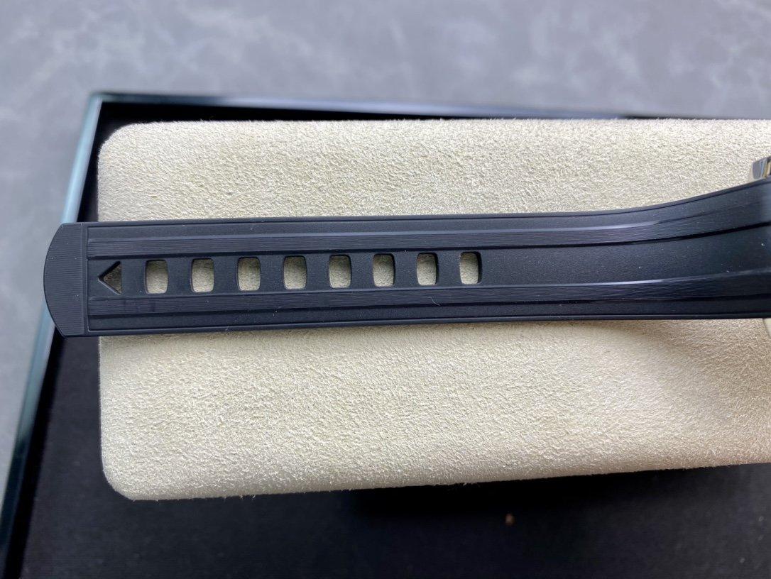 VS廠高仿歐米茄新海馬300M間玫金黑面8800機芯複刻手錶