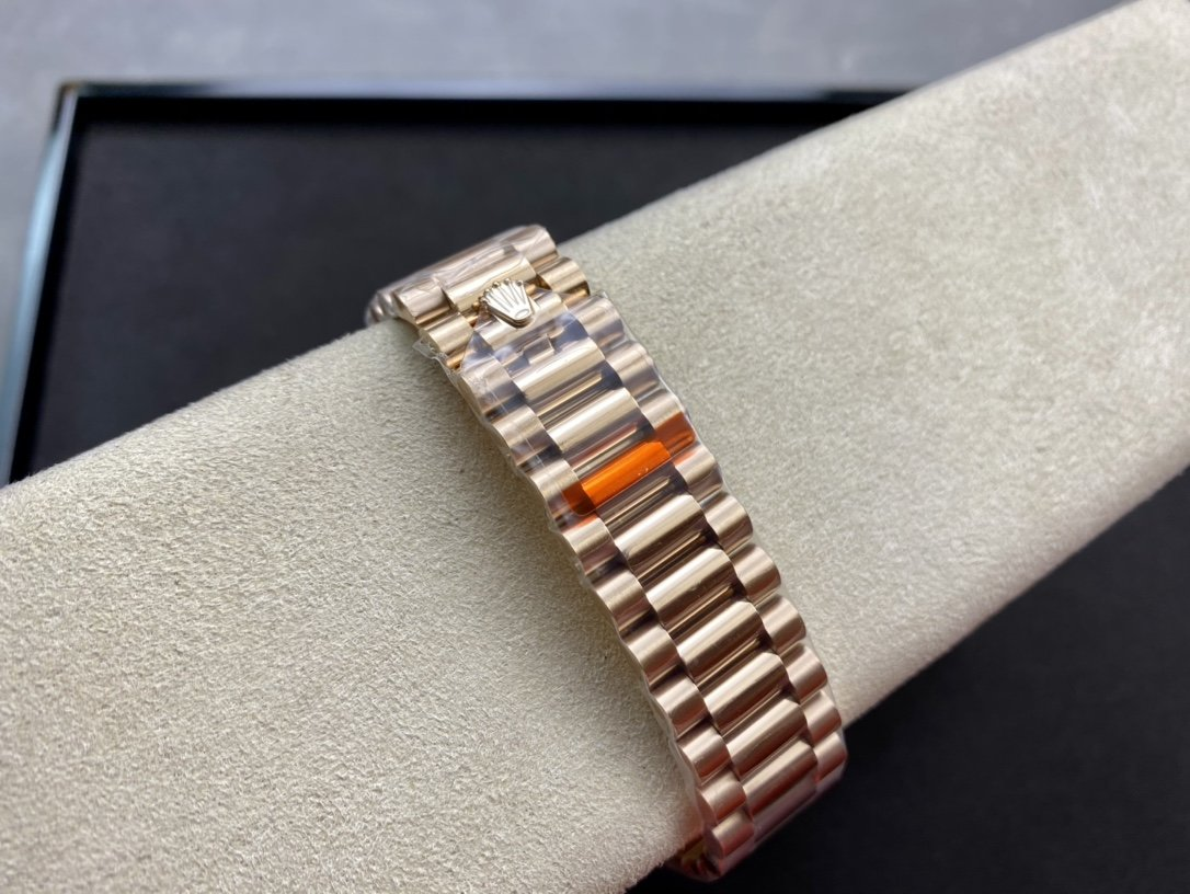 EW Factory最新力作V2升級版高仿勞力士Rolex星期日志型36MM複刻手錶