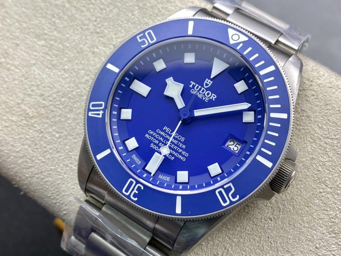 小貝同款XF廠致敬經典傳奇-帝舵/帝陀領潛型藍色戰斧高仿手錶