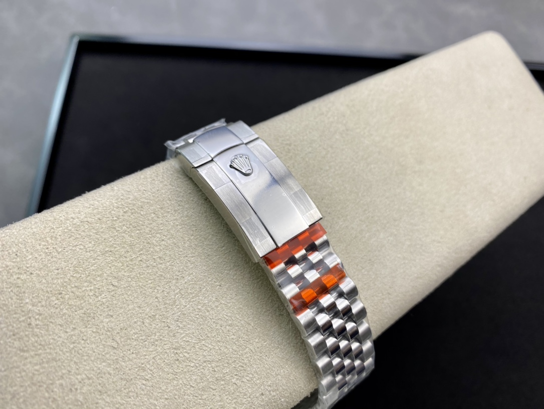 EW Factory高仿勞力士Rolex原版開模126233日誌型3235機芯複刻手錶