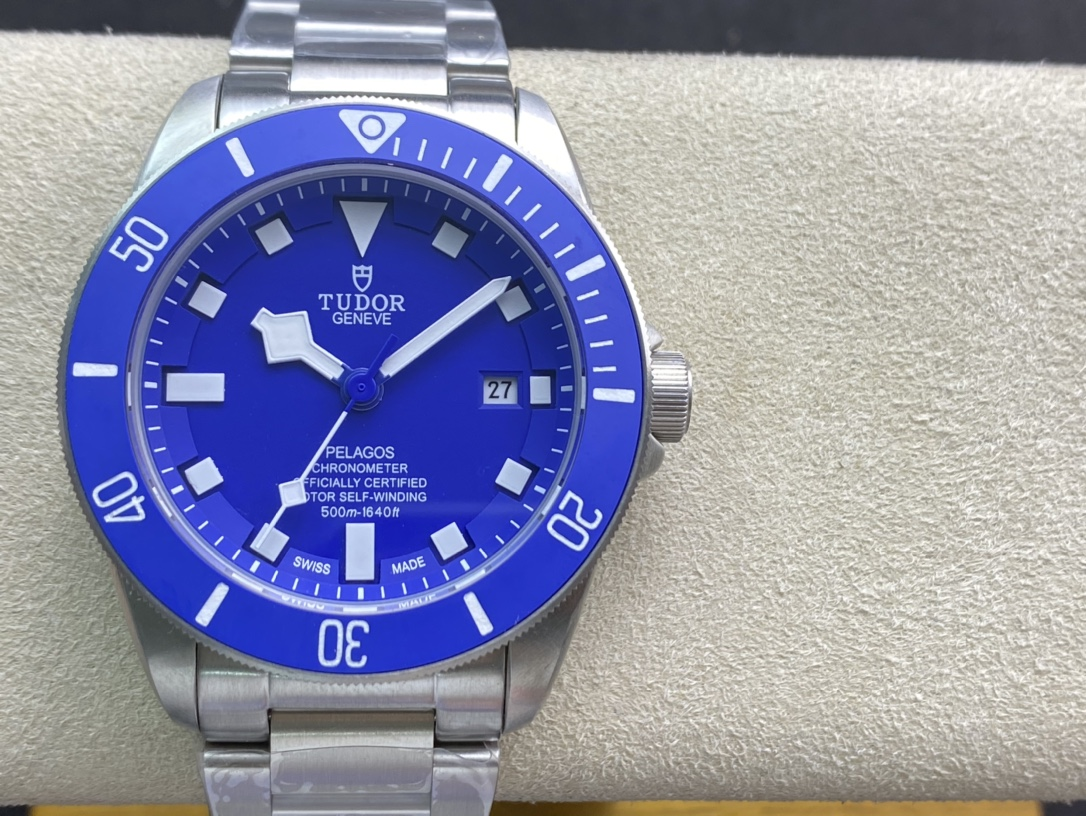 親民版小貝同款帝舵帝陀領潛型藍色戰斧,N廠手錶
